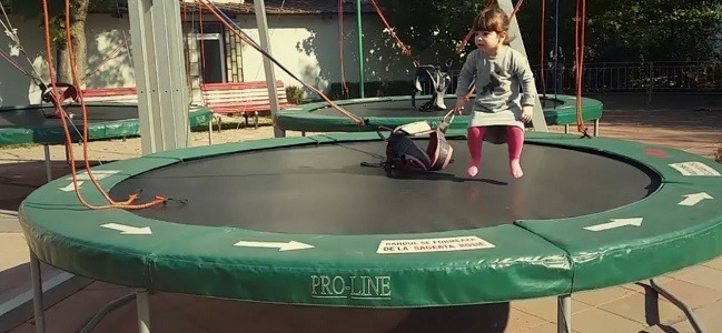 fun things to do on a trampoline - play a jumping game
