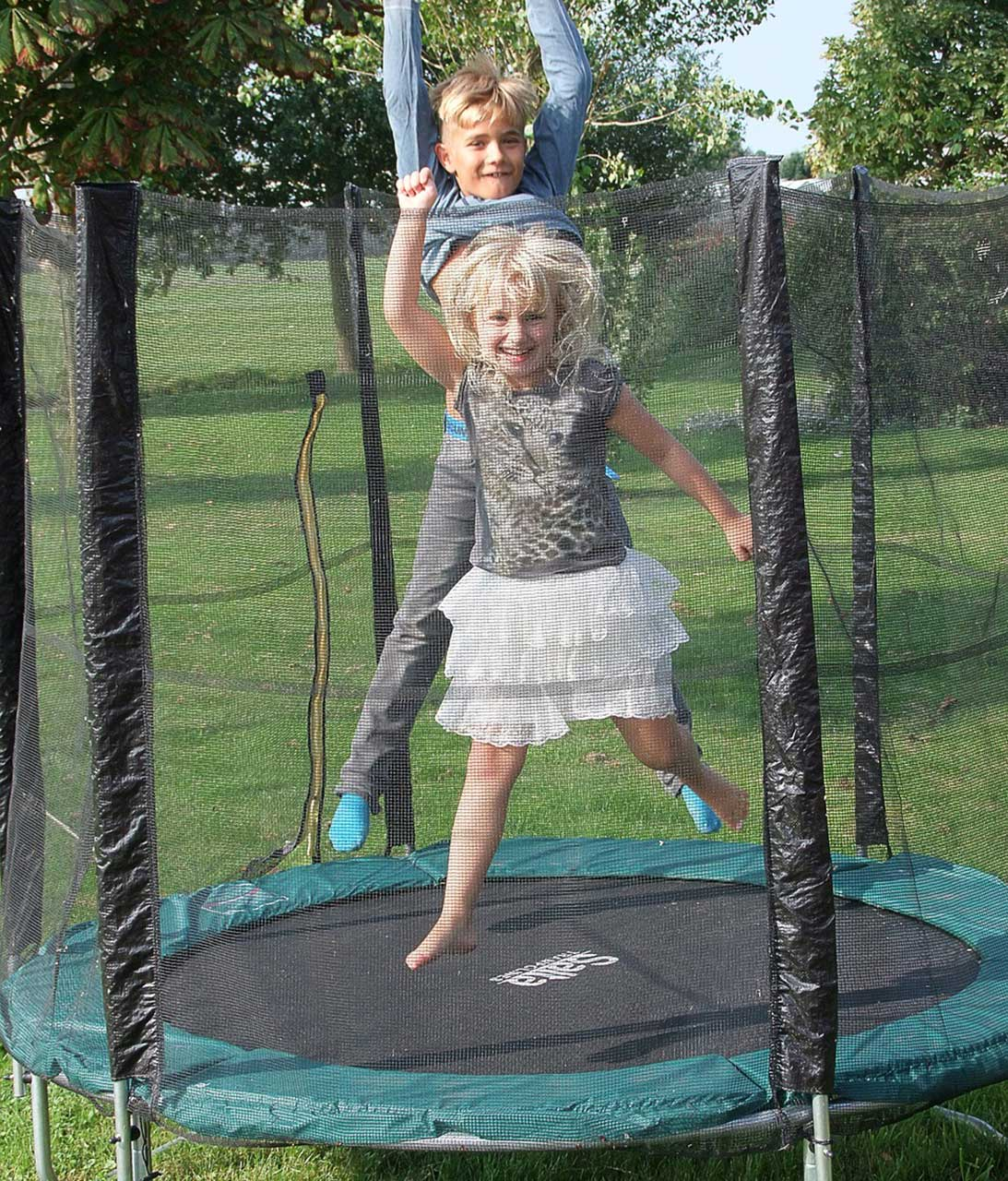 The Best Trampoline Cover Options to Buy on Amazon